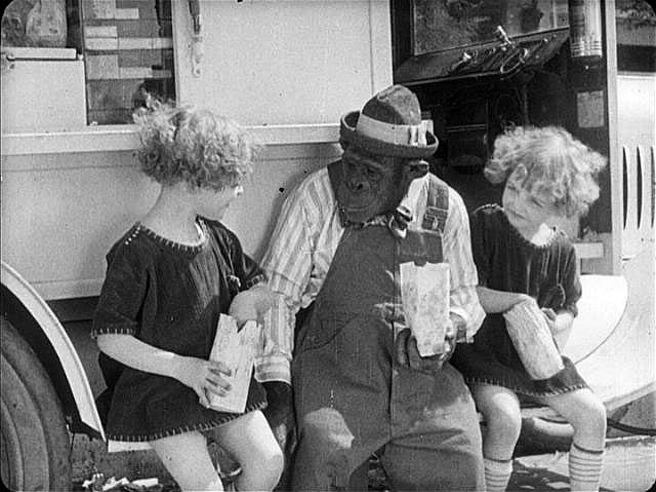 Still from Snooky's Twin Troubles (1921), from the NFPF site.