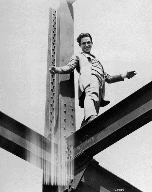 Harold Lloyd in Never Weaken (1921)