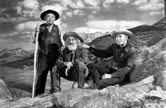 Lee Tung Foo, Gabby Hayes, Randolph Scott in The Cariboo Trail (1950)