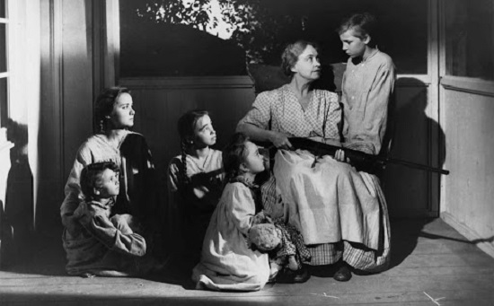 The Night of the Hunter (1955) Lillian Gish protects kids