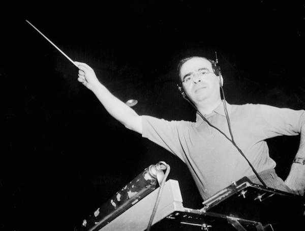 Max Steiner conducts 1939