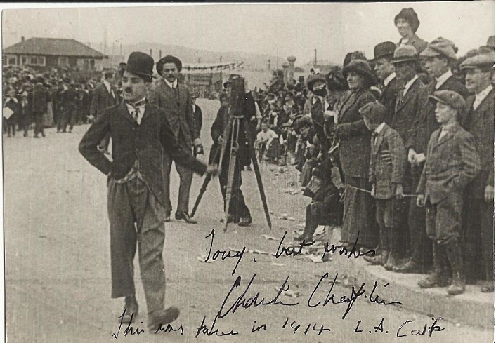 Charlie Chaplin on set Kid Auto Races at Venice (1914)
