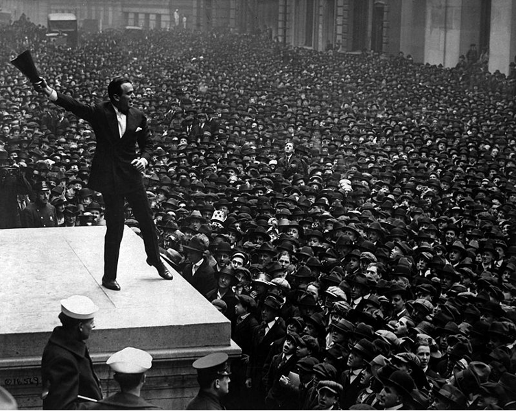 Douglas Fairbanks promoting Liberty Bonds in New York