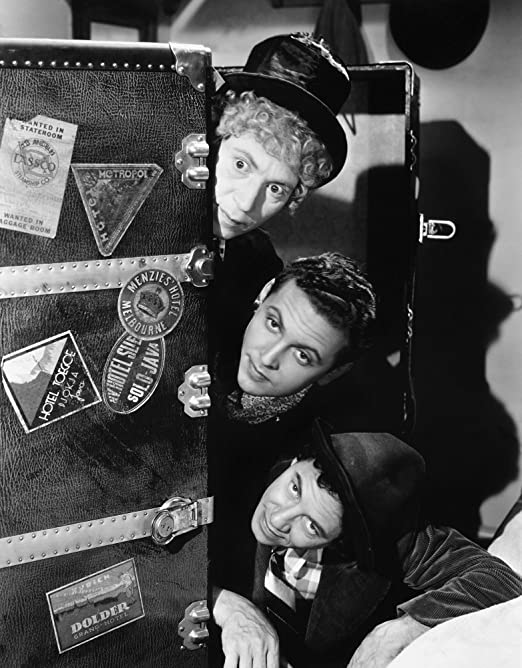 Harpo Marx, Allan Jones, Chico Marx, A Night at The Opera (1935)