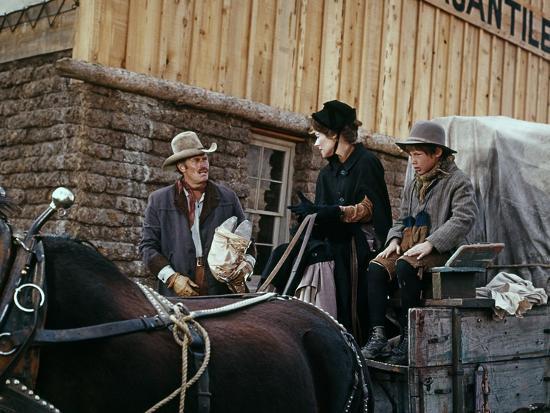Charlton Heston, Joan Hackett and Jon Francis Will Penny (1967)