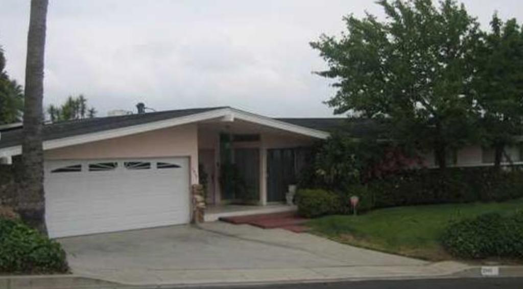 Jean Porter 3945 Westfall Dr., Encino, California