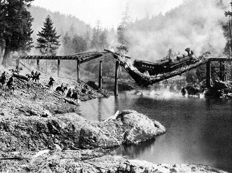 The General (1926) train-on-the-bridge scene
