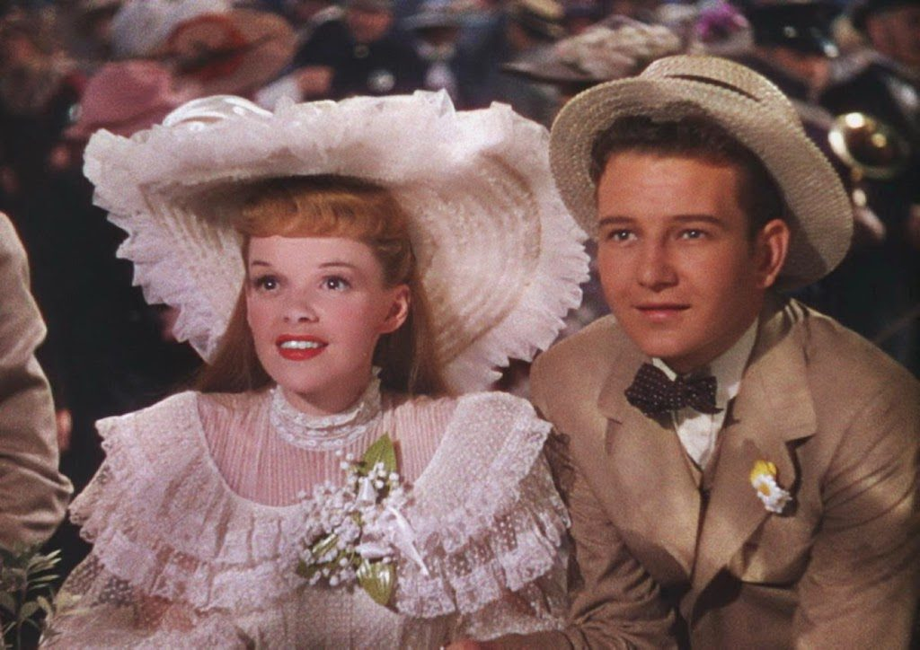Judy Garland and Tom Drake in Meet Me in St.Louis (1944)