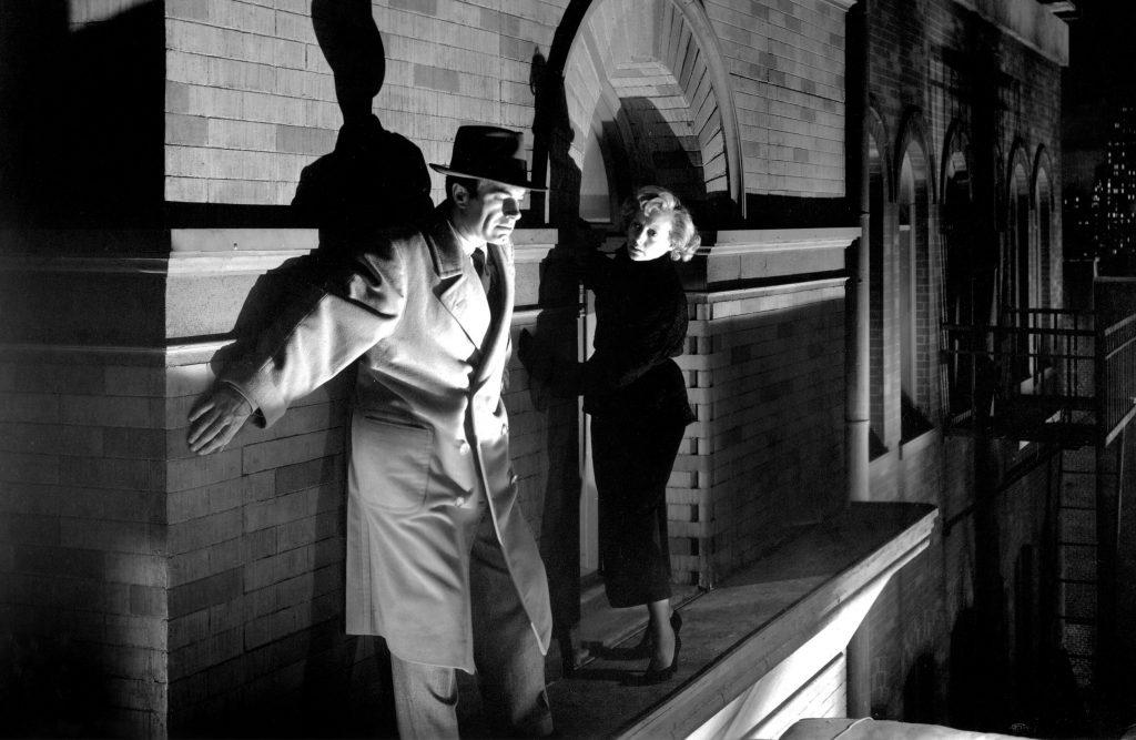 Charles Korvin and Evelyn Keyes in The Killer That Stalked New York (1950)